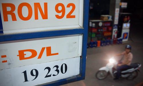 Xăng có thể rẻ hơn nếu thuế môi trường không tăng